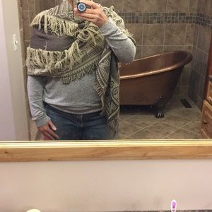 Accessories - Taupe and cream scarf